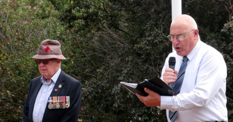 John Stephens and Andrew Partington lead the Remembrance Day Service at Eudunda 2020